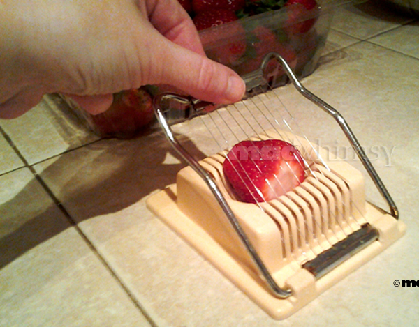 slicing strawberries, step 4